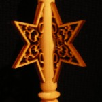 Gedrechselter Hänger mit filigranem Stern